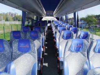 15_Autobusu_nuoma_VOLVO_9900_FZH_509_nuomojamas_autobusas_vidus.jpg
