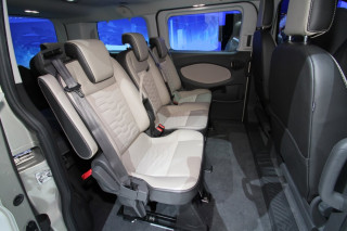 37_ford_custom_tourneo_10.jpg